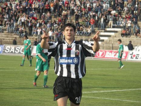 Baldovaliev playing for Loko Plovdiv back in 2007