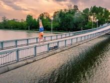 Екстремна снимка от Пловдив, младеж стори немислимото!