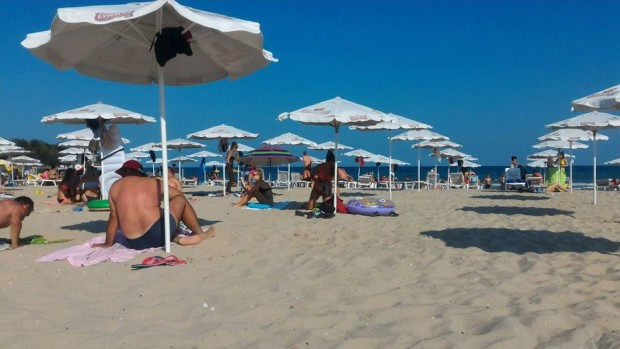 Освен българи, в курорта по Северното Черноморие летували предимно румънци.