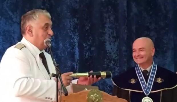 Генерал майор професор д-р Венцислав Мутафчийски бе удостоен със званието