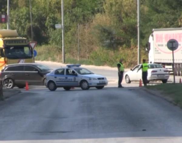 Нова твПротест блокира движението на кръговото кръстовище непосредствено преди Дунав