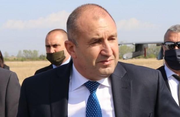 Plovdiv24.bgГузната съвест ражда параноя, а министър-председателят превръща 7 млн. българи