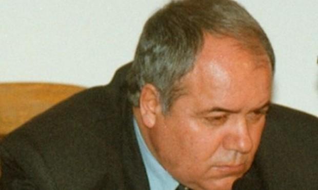 Почина писателят Александър Томов
