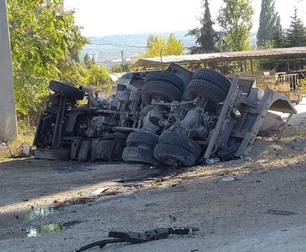 Виждам те КАТ-ВарнаКамиона е паднал от Аспаруховия мост във Варна