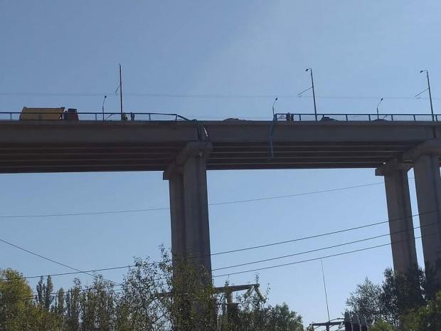 Виждам те КАТ-ВарнаШофьорът на камиона, полетял от Аспарухов мост по-рано