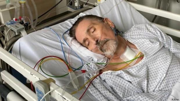 > Петер Шмитген в интензивното отделение