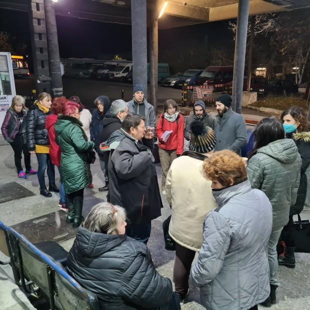 ФейсбукКондукторите от Градския транспорт във Варна се събраха вчера на