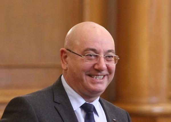 БГНЕСАз в момента съм от ВМРО - гражданска квота. Благодарен
