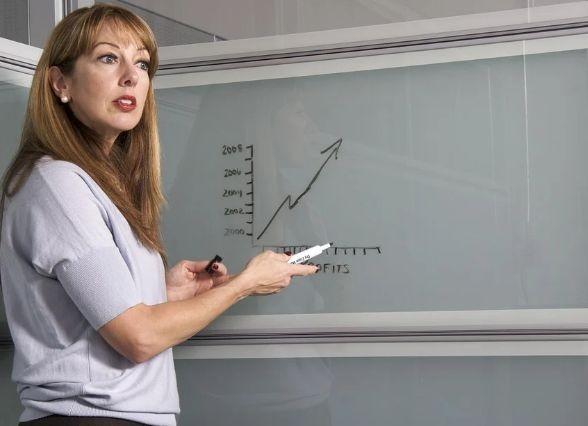 22 % от учителите и само 7 % от непедагогическия