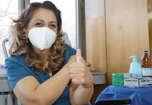 Десетки медици от ВМА бяха ваксинирани срещу SARS-CoV-2, съобразно получените
