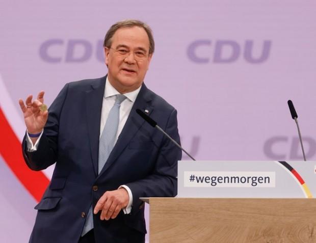 ReutersАрмин Лашет, премиерът на провинция Северен Рейн-Вестфалия, бе избран за