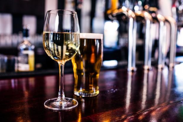Кое е по-лошо – червено вино с водка или текила