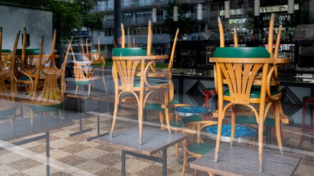 iStockСобствениците на заведения и ресторанти обмислят протести след решението на
