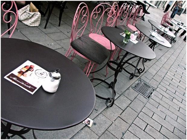 Ресторантьорите ще отворят затворените заради мерките срещу коронавируса заведения на