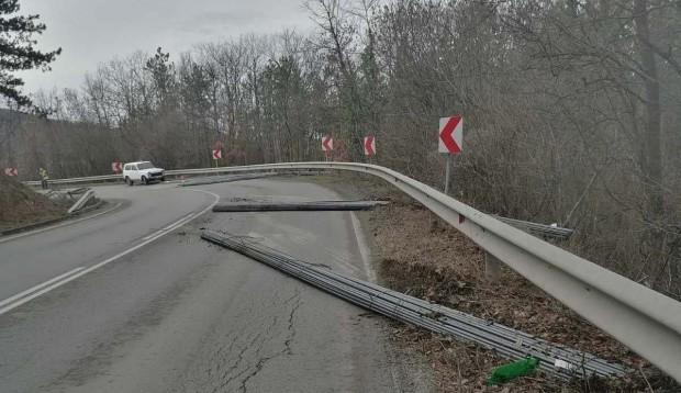 Ришкия проход е затворен и в двете посоки поради изсипване