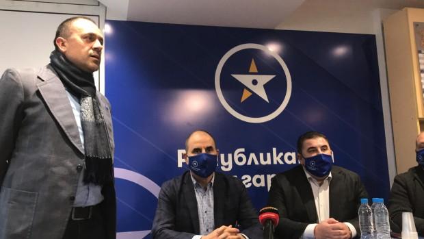 След обиколка в Североизточния регион, Цветанов пристигна във Варна придружаван