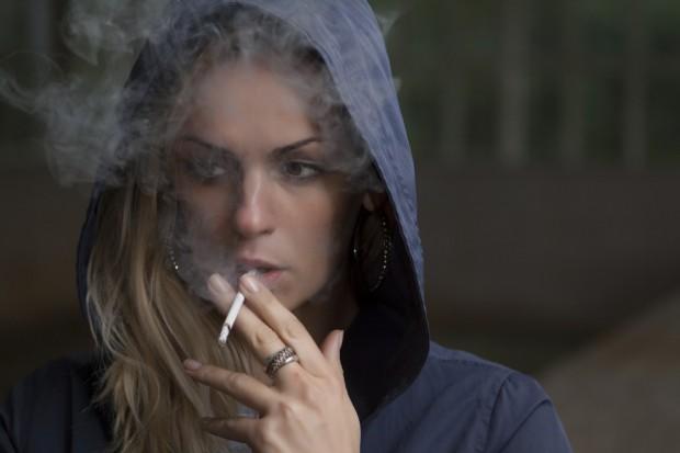 Хората умират от сърдечносъдови заболявания, онкологични, белодробни, а тютюнопушенето е