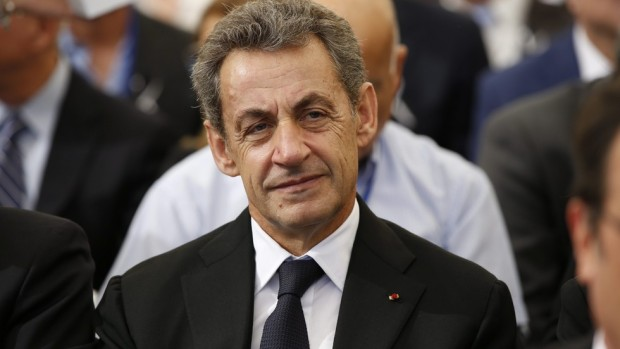 Бившият френски президент Никола Саркози получи три години затвор за