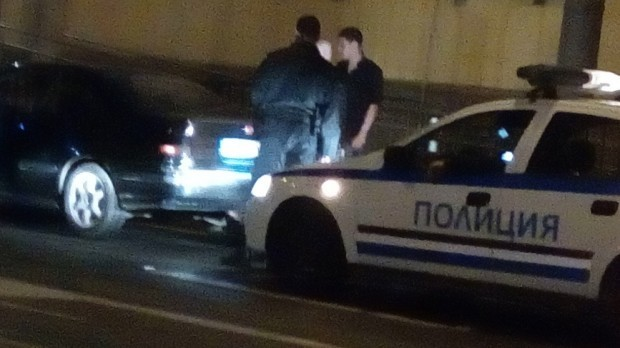 Младеж без книжка в гонка с полицията