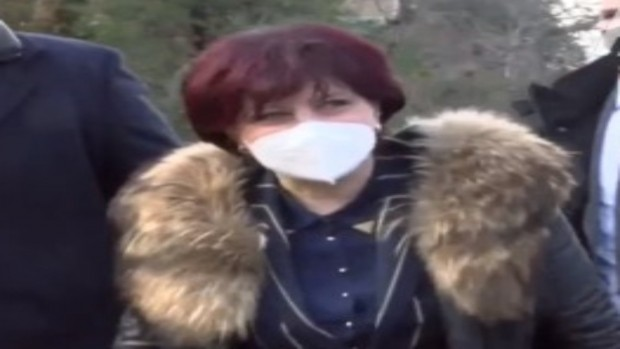 Снимка: Караянчева: Нека да загърбим егоизма си и да гледаме напред