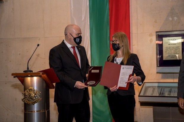 Заместник - окръжният прокурор на Варна, Дияна Иванова и прокурор