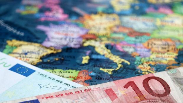 С влизането на България в еврозонатанякои цени ще паднат. Това