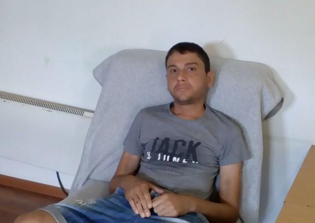 Майката на младеж от Варна търси подкрепа, за да може