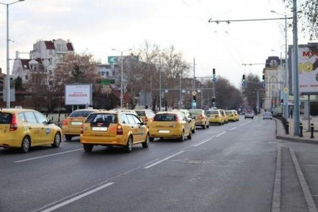 Plovdiv24.bgСлед 2 май всички таксита у нас трябва да работят