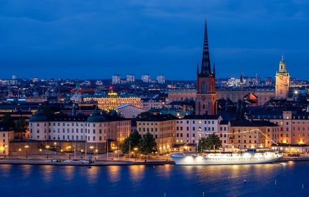 Шведското правителство предупреди днес, че ще въведе нови, по-строги коронавирусни