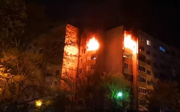 Огромен пожар изпепели апартамент в столичния квартал