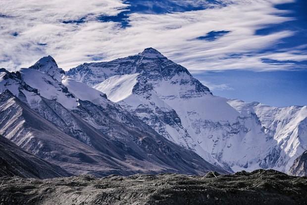 Планинари предупреждават, че е възможно базовият лагер за Еверест да