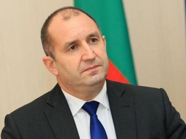 България вече е с ново управление, а в същото време