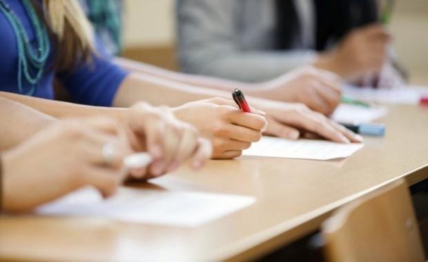 1100 ученици са подали заявление да положат трети държавен зрелостен