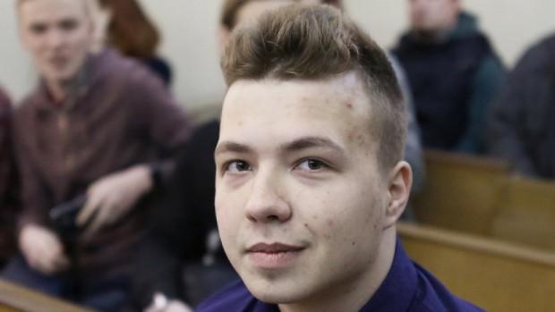 Държавната телевизия в Беларус излъчи интервю с журналиста и опозиционен