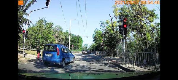 Виждам те КАТ-ВарнаЗа изключително рискова ситуация, при която нагъл шофьор