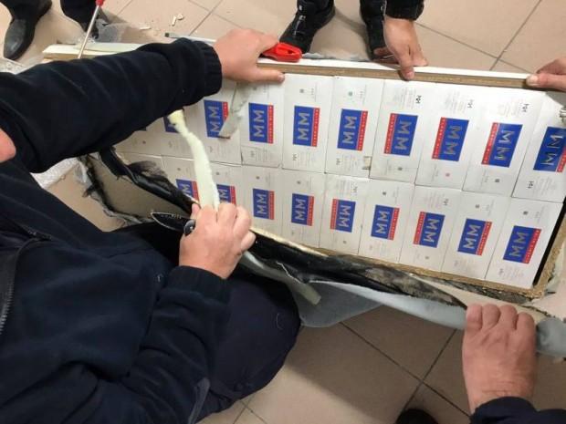 Митнически служители откриха 26 400 къса /1320 кутии/ контрабандни цигари