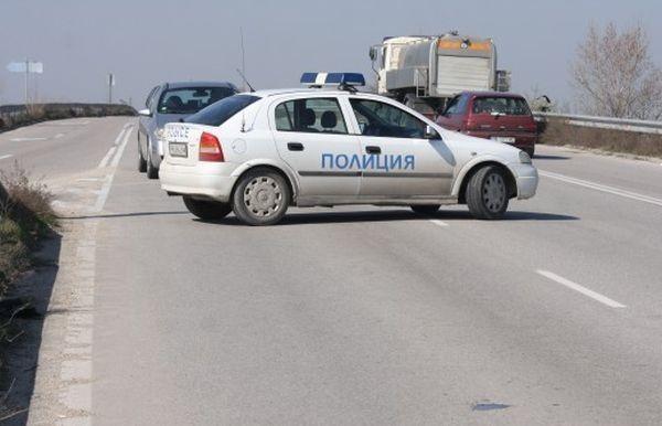 Има данни, че шофьорът на лекия автомобил е извършил непристойни