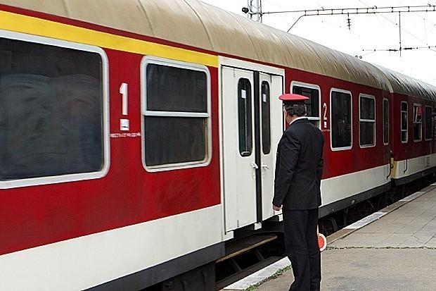Бързият влак № 3622 от Бургас за София престоя в