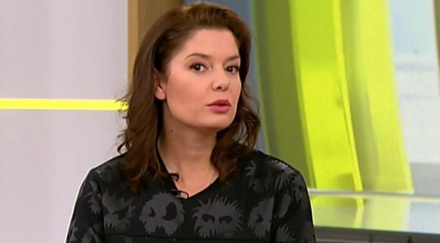 АктрисатаАлекс Сърчаджиева разказва за болките и радоститеот живота й, занай-съкровените