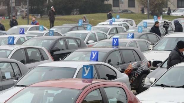 Увеличават шофьорските курсове с 10 часа. Идеята ще обсъди транспортният