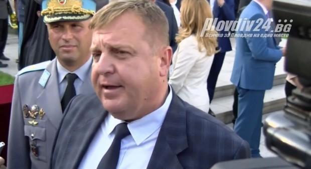 Вицепремиерът и министър на отбраната в предходното правителство е извършил