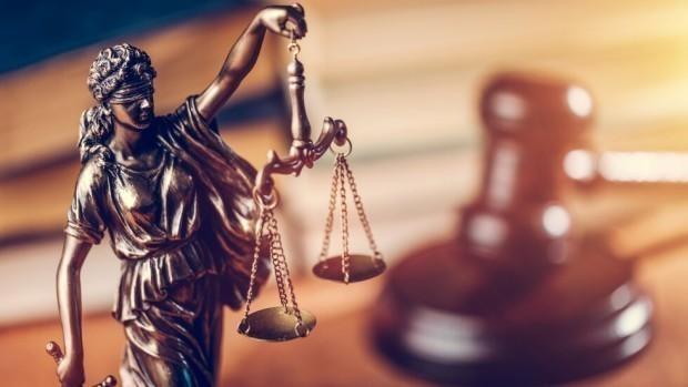 С определение, Варненският окръжен съд задържа под стража 58-годишния Владимир