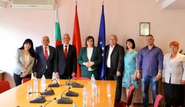 Лидерът на БСП се срещна с бесарабски българи, живеещи в