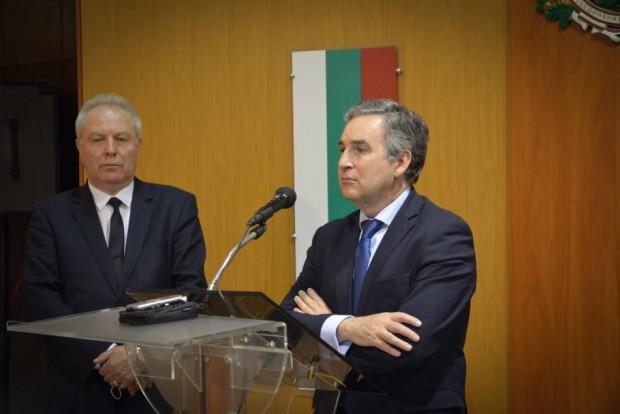 Извънредният и пълномощен посланик на Кралство Испания в България Н.