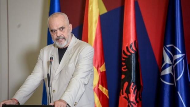 Албанският премиер Еди Рама направи шеговит коментар за спора между