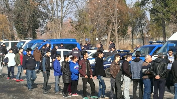 БГНЕС Разбиха международна престъпна група, превозила над 350 нелегални мигранти през