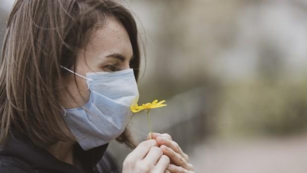 Хората, които сазагубили обоняниетоси след заразяване сновия коронавирус, може да