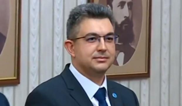 Вчера до 12,00 часа номинираният за премиер е подбирал министрите