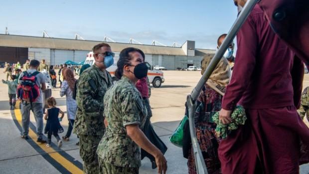 Ройтерс Операциите по извеждането на български граждани от Афганистан приключиха успешно,
