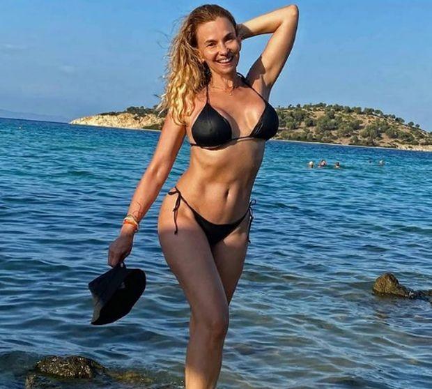Инстаграм Попфолк певицата Малина използва дните на т.нар. циганско лято, за
